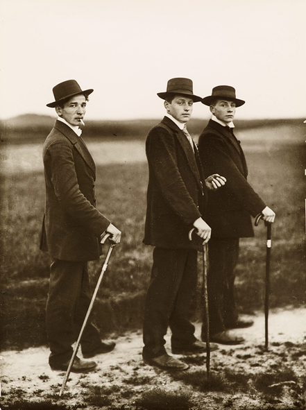 1-August-Sander-giovani-contadini-1914